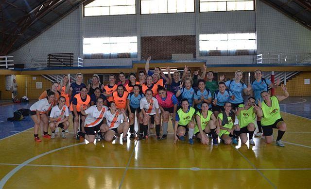 Time do projeto Fut5 Legal da CAA/PR conquista 2º lugar na I Copa Legal de Futsal Feminino