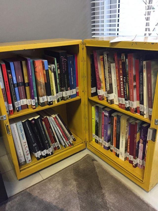 Projeto Caixa-Estante disponibiliza livros de autoras femininas em homenagem às mulheres