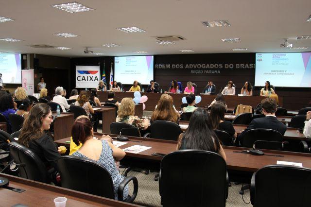 CAA/PR realiza evento de conscientização sobre câncer de mama e de próstata