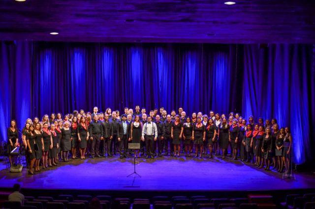 Corais da CAA e OAB Paraná se apresentam no Teatro Fernanda Montenegro
