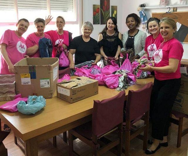 Associação das Amigas da Mama recebe doações arrecadadas pela CAA/PR
