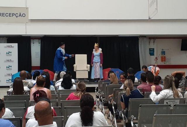 Grupo de Teatro da CAA/PR apresenta peça infantil no Hospital Universitário de Ponta Grossa